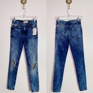 NWT Free People Distressed Jeans 25R